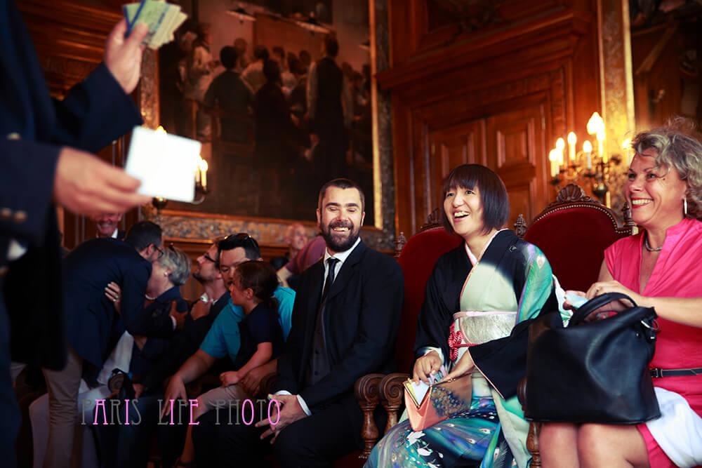 パリの区役所での挙式前