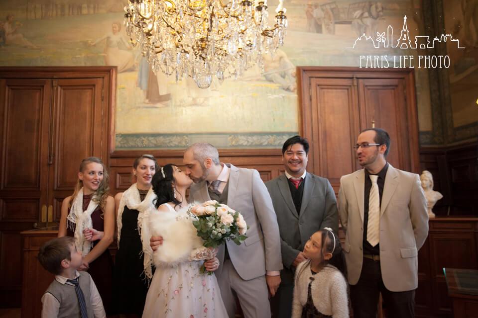結婚式証人との記念写真