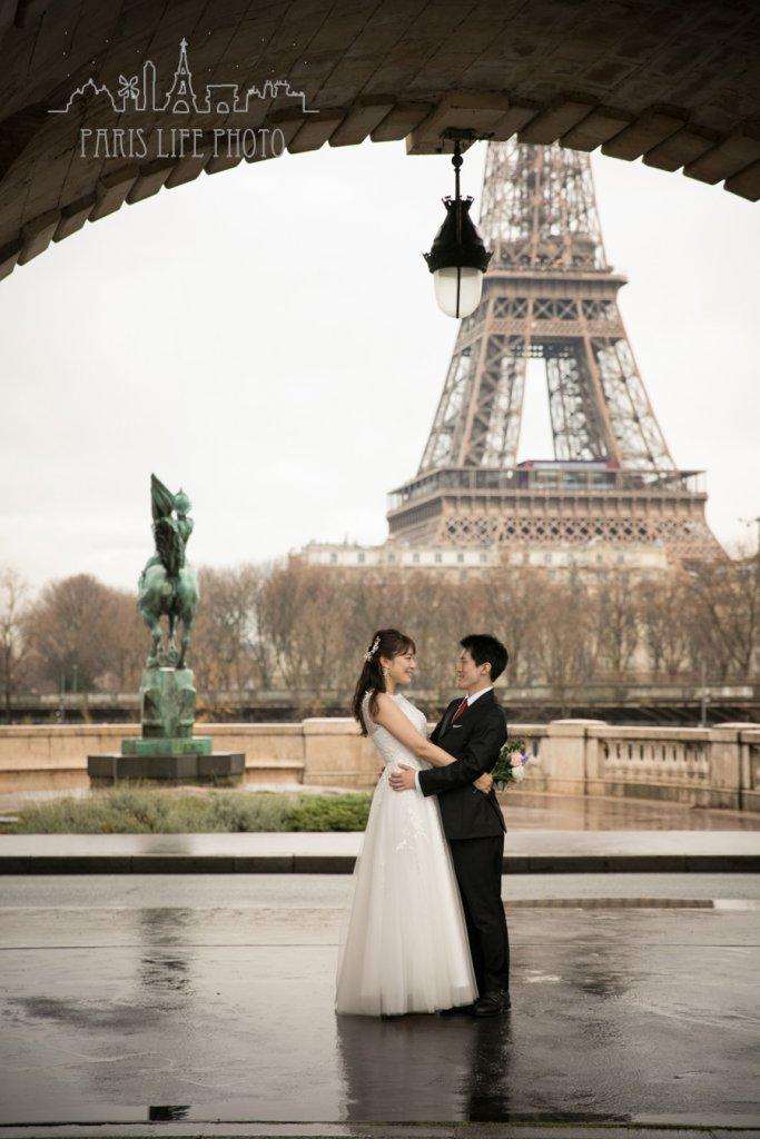 パリ、ビラケム橋でのブライダルフォト